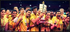 Saina Nehwal and her Hyderabad Hotshots Team with 2013 IBL Trophy.