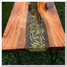 Table design with bullet. – Fantasy Wood Table design with bullet. Table design with bullet. Wooden Pallet Projects, Woodworking Projects Diy, Wooden Pallets, Woodworking Plans, Woodworking Patterns, Woodworking Classes, Woodworking Tattoo Ideas, Woodworking Machinery, Woodworking Techniques