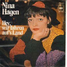 Nina Hagen - Hey, Wir Fahren Auf's Land 1976 Nina Hagen, Riot Grrrl, Rock Style, Funny Images, Musicals, Dancer, 70s Makeup, Rock Fashion, Core