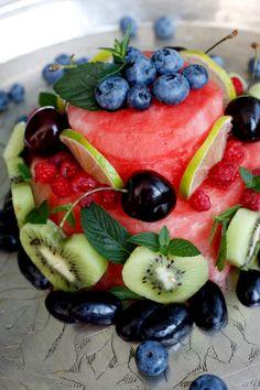 Karita Tykkä Raakaa ja makeaa -kirja, Melonikakku, photographer: Ulla-Maija Lähteenmäki, #raakaruoka #rawfood #fruits #fruitcake