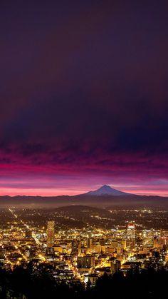 Portland Portland Oregon, Moving To Portland, Oregon City, Oregon Usa, Travel Portland, City Photography, Photography Magazine, Seattle Photography, Photography Contract