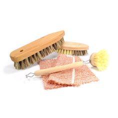 Reinigung ressourcenschonend. Mit Naturborsten. Spülbürste, Gemüsebürste, Schrubberbürste und Kupferschwamm.