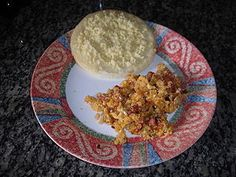 The Latino Scramble recipe on Recidemia is a delicious breakfast option, to feel in a warm tropical morning. You can have this breakfast with Corn Arepa topped with white cheese, 100% Colombian coffee, and orange juice.