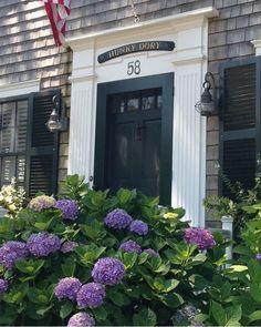 The Hunky Dory Cottage * Nantucket Nantucket Cottage, Nantucket Style, Nantucket Island, Nantucket Baskets, Cozy Cottage, Coastal Cottage, Coastal Living, Nantucket Beach, New England Homes