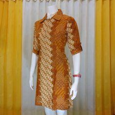 Saya menemukan model ini dari toko dress batik wanita online di salah satu website online shop yaitu pulaubatik solo yang menyediakan model pakaian wanita modern berbahan dasar kain batik