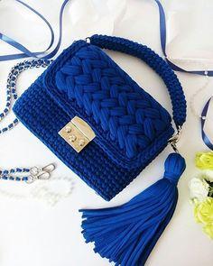Handmade Bag from Raffia Palm - Crochet bag with love Crochet Wallet, Free Crochet Bag, Crochet Backpack, Crochet Tote, Crochet Handbags, Crochet Purses, Knit Crochet, Crochet Bag Tutorials, Crochet Purse Patterns
