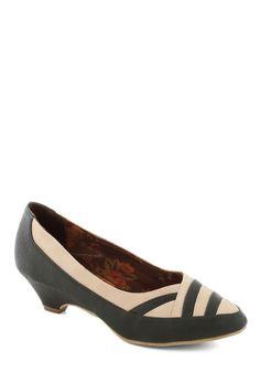 Pretty Parquetry Heel. Savor the retro appeal of these evergreen kitten heels byBait Footwear! #green #modcloth