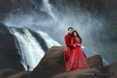 Shopzters Perfect Matching Couple Outfits For A Picturesque Outdoor Shoot Indian Wedding Photography Poses, Outdoor Wedding Photography, Couple Photography Poses, Food Photography, Pre Wedding Shoot Ideas, Pre Wedding Poses, Wedding Couples, Couple Photoshoot Poses, Couple Posing