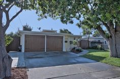 Open Sat 9/2 @ 2-4 PM and Sun 9/3 @ 1-4 PM- 2593 Baylor St EAST PALO ALTO, CA 94303! Call Laura Flores of Coldwell Banker at 650-771-2686