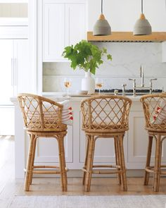 The Avalon Swivel Counter Stools bring an easy elegance to the kitchen counter. Rattan Counter Stools, Counter Stools With Backs, Stools For Kitchen Island, Counter Height Stools, Swivel Bar Stools, Kitchen Islands, Kitchen Reno, Best Bar Stools, Seagrass Bar Stools