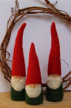 Felted Christmas Gnome figurine Waldorf van myjacobsladder op Etsy