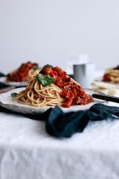 Simple Roasted Tomato & Smokey Chili Spaghetti