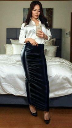 Black leather hobble skirt Sexy Blouse, Blouse And Skirt, Dress Skirt, Leather Dresses, Leather Outfits, Luxury Garden Furniture, Hobble Skirt, Satin Bluse, Black Leather