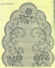 Kira scheme crochet: Several oval tablecloth Crochet Table Runner, Crochet Tablecloth, Crochet Doilies, Crochet Lace, Oval Tablecloth, Crochet Flower, Filet Crochet Charts, Crochet Stitches Patterns, Cross Stitch Patterns