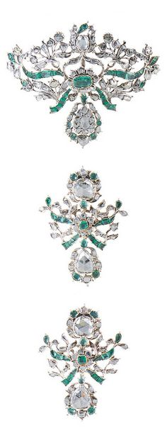 Diamond and emerald pendant and pair of earrings, Portugal, 18th century, Colombian emeralds, diamonds, gold, silver, gross weight: approx. 66.7 g, pendant weight: approx. 7.8 g, earrings: approx. 5 cm