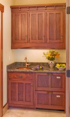 of the Day: Craftsman Kitchens. (By Crown Point Cabinetry) of the Day: Craftsman Kitchens. (By Crown Point Cabinetry) Craftsman Furniture, Craftsman Interior, Craftsman Kitchen, Craftsman Style Homes, Craftsman Bungalows, Craftsman Houses, Craftsman Bathroom, Style At Home, Layout Design