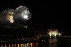 Budapest, 2015. augusztus 20. Ünnepi tűzijáték a Duna felett Budapesten 2015. augusztus 20-án. MTI Fotó: Szigetváry Zsolt