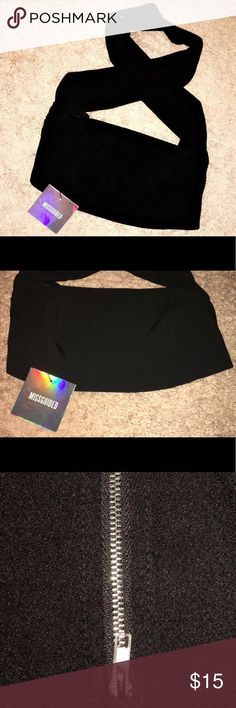 Black Strapless Twist Front Bralet💕 NWT!! Never worn. Beautiful material. 95% Polyester 5% Elastane. From MISSGUIDED & great for a girls night out, can't go wrong with black ladies! Xo Missguided Tops Crop Tops