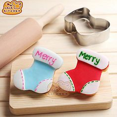 Christmas is coming! Bake Xmas fun cookie socks for your Xmas party / Christmas tree. Cookie cutter at $1.69