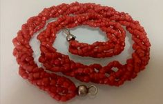 Catawiki online auction house: Italy Old precious genuine undyed red-orange mediterranean coral necklace on four rows- 41,5cm