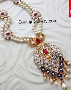 Jewellery Designs: Floral Pearls Set by Kalyan Jewellers Bridal Jewelry, Beaded Jewelry, Pearl Jewelry, Gold Jewelry, Modern Jewelry, Diamond Jewelry, Diamond Earrings, Royal Diamond, Pearl Necklace Designs