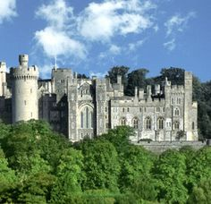 Arundel Castle in Arundel, West Sussex, England is a restored medieval castle. It was founded by Roger de Montgomery on Christmas Day The castle was damaged in the English Civil War and then restored in the and century. Beautiful Castles, Beautiful World, Beautiful Places, Romantic Places, Castle Ruins, Medieval Castle, The Places Youll Go, Places To See, Arundel Castle