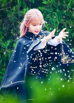 Kpop Girl Groups, Kpop Girls, Eyes On Me, Sakura Miyawaki, Japanese Girl Group, The Wiz, K Idols, Cherry Blossom, Yuri