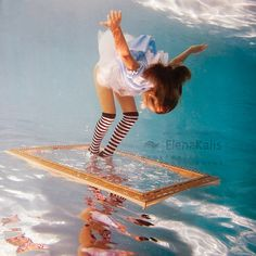 These beautiful photos taken by photographer Elena Kalis of her daughter dressed as Alice in Wonderland will have you mesmerized. - Trippy Underwater Alice in Wonderland Photos Under The Water, Under The Sea, Creative Photography, Street Photography, Art Photography, Fashion Photography, Amazing Photography, Whimsical Photography, Landscape Photography