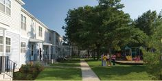 Mitchel Complex – Michel Manor Neighborhood: 2-4 bedroom  townhomes available to all ranks of Active Duty Service Members.