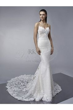 67ddc7e759a41 Find Midori Wedding Dress by Enzoani Available in 32 boutiques in Canada:  Ethos Bridal Boutique (Calgary), Amanda-Lina's Sposa Bridal Boutique  (Woodbridge), ...