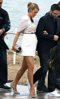 Blake Lively is pregnant again and we get to see that fab maternity style on display again!