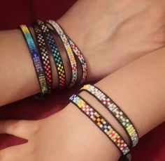 Miyuki delica Bead Loom Bracelets, Woven Bracelets, Ankle Bracelets, Bead Loom Patterns, Bracelet Patterns, Beaded Anklets, Beaded Jewelry, Diy Jewelry Projects, Bijoux Diy