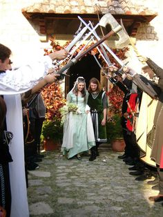 LOTR wedding <3  Oh, if I ever let my geekyness get the best of me... lol.