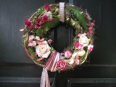 """Kranz """"Im romantischen Garten"""" von Kreative Blumenkunst auf DaWanda.com"""