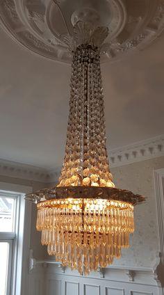 Belysning, vintage og retro lamper | Teakmonkey Icon Design, Furniture Design, Chandelier, Icons, Ceiling Lights, Retro, Lighting, Vintage, Home Decor