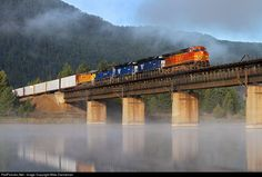 RailPictures.Net Photo: BNSF 4640 BNSF Railway GE C44-9W (Dash 9-44CW) at Noxon, Montana by Mike Danneman