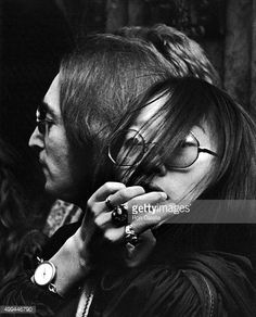 John Lennon and May Pang attend 'Sgt Pepper's Lonely Hearts Club Band on the Road' Opening on November 17 1974 at the Beacon Theater in New York City Linda Mccartney, The Lost Weekend, Beacon Theater, Imagine John Lennon, Answer To Life, Sgt Pepper, Yoko Ono, November 17, The Fab Four