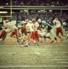 Lennie Dawson Nfl Football Players, Kansas City Chiefs Football, Football Pictures, Sport Football, Sports Photos, Shea Stadium, American Football League, Association Football, Vintage Football