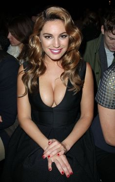 Kelly Brook nice cleavage