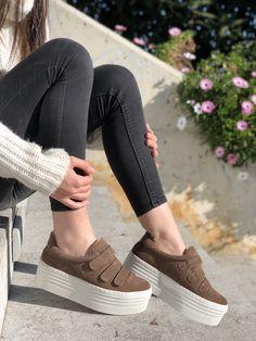 #Sneakers Vienty Lodo plataforma. Combínalas con faldas plisadas o shorts tejaneroshttp://bit.ly/SneakVienty