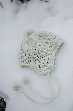 Snowbelle Trapper Hat pattern, free pattern by Kalurah