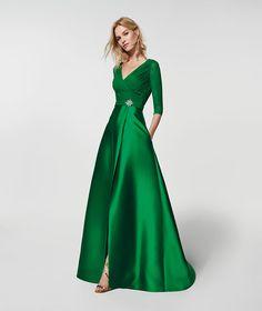 Imagen del vestido de fiesta verde (62077). Vestido GRACIELA largo manga tres cuartos