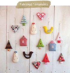 Inspiration @ fabrickaz+idees - little patchwork Christmas decorations Christmas Sewing, Felt Christmas, Winter Christmas, Handmade Christmas, Christmas Patchwork, Christmas Trees, Handmade Ornaments, Xmas Ornaments, Handmade Toys