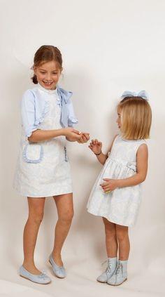 Algodón Azul - Gansetes Moda Infanitl Little Fashion, Young Fashion, Cute Fashion, Kids Fashion, Sewing Baby Clothes, Trendy Kids, Baby Bows, Little Girl Dresses, Girly Girl