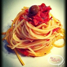 Spaghetti pomodorini e olive https://www.facebook.com/groups/268416550227295/