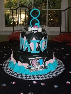 Now that's just funny... Already had Paige's name on It! But she'll be 5.. Cake from a Monster High Party #monsterhigh #partycake