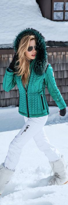 Bright emerald green, a perfect contrast with the bright white snow. #skiing #fashion