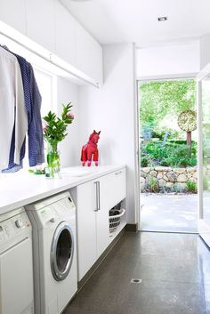 laundry room, to wash and fold your clothes, basement diy organization decor - Small laundry room ideas Laundry Mud Room, Home, Home Remodeling, Vintage Laundry Room Decor, Diy Basement, Home Renovation, Laundy Room, Laundry, Modern Laundry Rooms