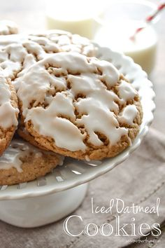 An easy recipe for soft and chewy Iced Oatmeal Cookies. Perfect with a tall glass of milk! I love iced oatmeal cookies!