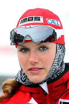 Gabriela Koukalova, 2010 in Obertilliach - Gabriela Koukalová ist eine tschechische Biathletin. Seit der Saison 2012/13 gehört sie zur Weltspitze dieser Wintersportart. Geboren: 1. November 1989 (Alter 27), Jablonec nad Nisou, Tschechien